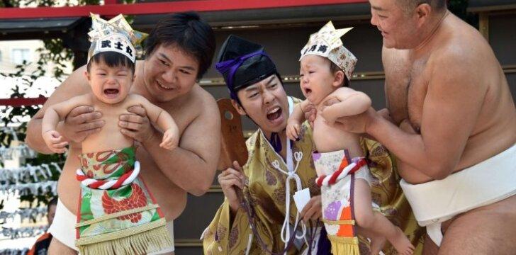 """Keistas festivalis, kuriame gąsdinami ir virkdomi vaikai <span style=""""color: #ff0000;""""><sup>FOTO</sup></span>"""