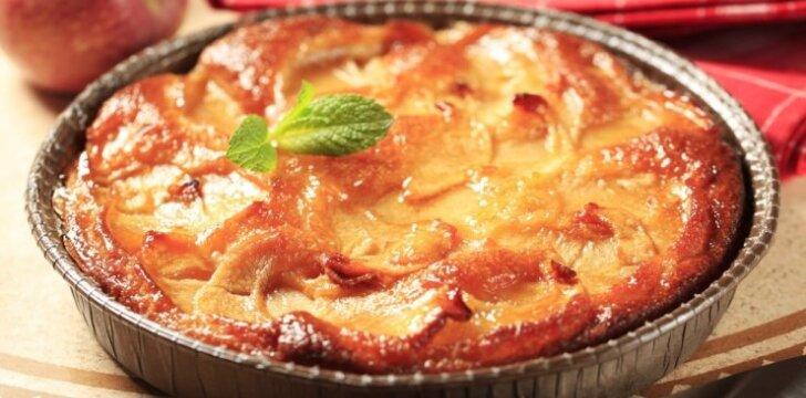 Kvapnus obuolių pyragas