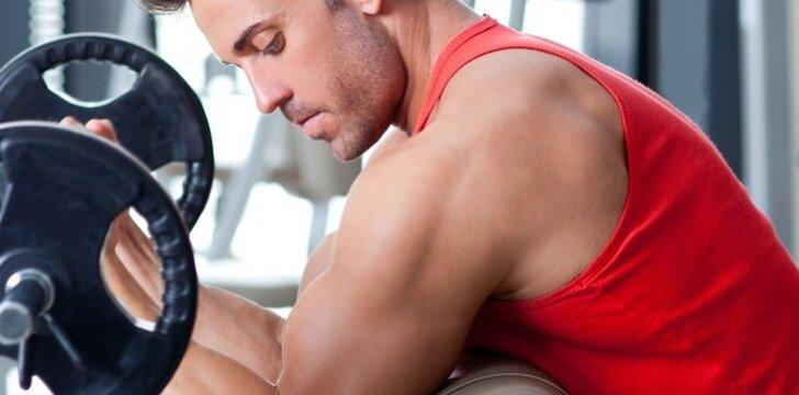 Kodėl raumeningas vyras gali nutrokšti karštą dieną? (video)
