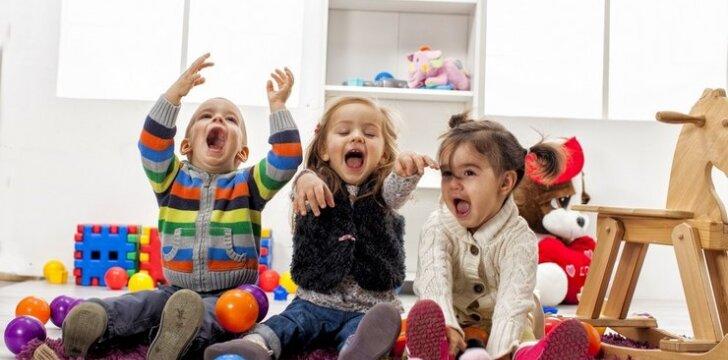 """Pamatykite, ką daro vaikai, kai mama nemato <sup><span style=""""color: #ff0000;"""">2 VIDEO</span></sup>"""