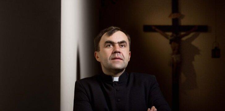 Narkotikus ir kalėjimą perėjęs kunigas Kęstutis Dvareckas: kaltinau aplinką