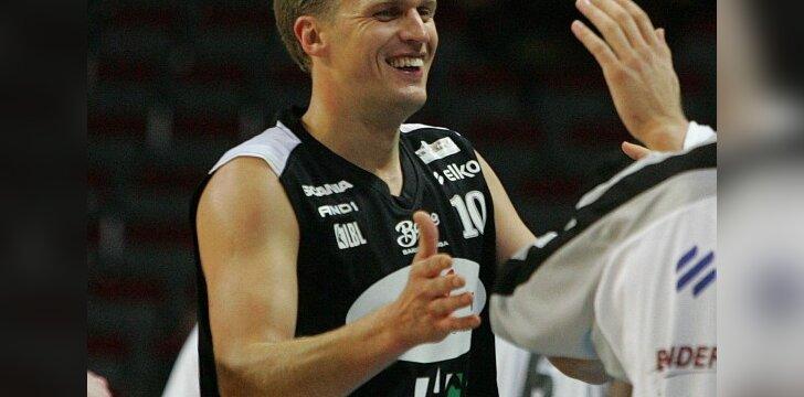"""Dar praėjusį sezoną D.Adomaitis žaidė """"Barons"""" ekipoje"""