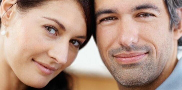 Vyrai su lengva barzdele moterims patrauklesni nei tie, kurie kruopščiai šienauja veido plaukus.