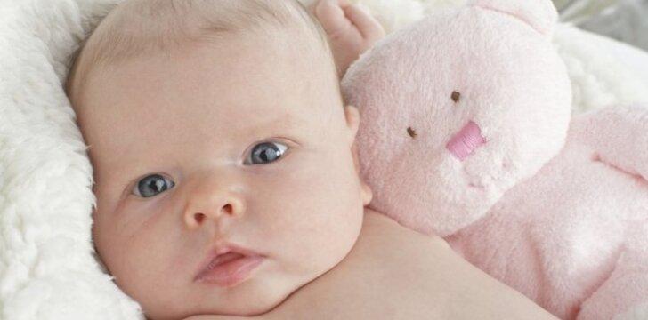 """<span style=""""color: #ff0000;"""">Jaudinantis video</span> apie kūdikio laukimą ir gimimą"""