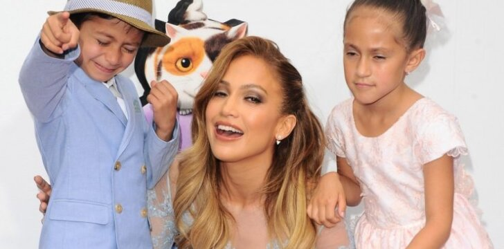 "Jennifer Lopez dvynukai ožiavosi ant raudonojo kilimo <sup style=""color: #ff0000;"">(FOTO)</sup>"