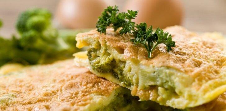 Omletas - lengva pagaminti, skanu valgyti.