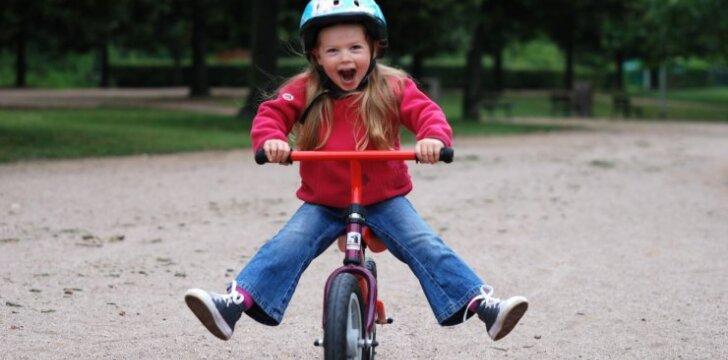 Balansiniai dviratukai vaikams: verta pirkti ar ne?