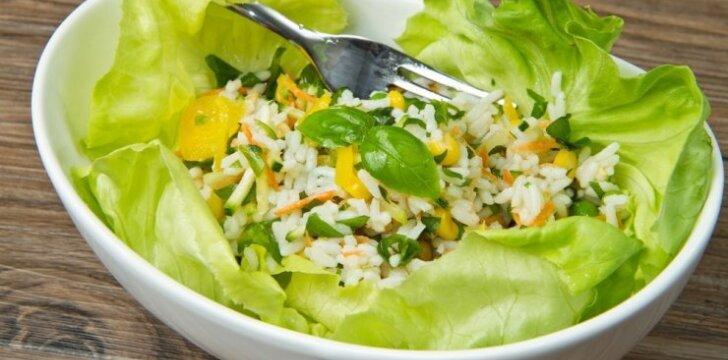 Pavasariškos laukinių ryžių salotos
