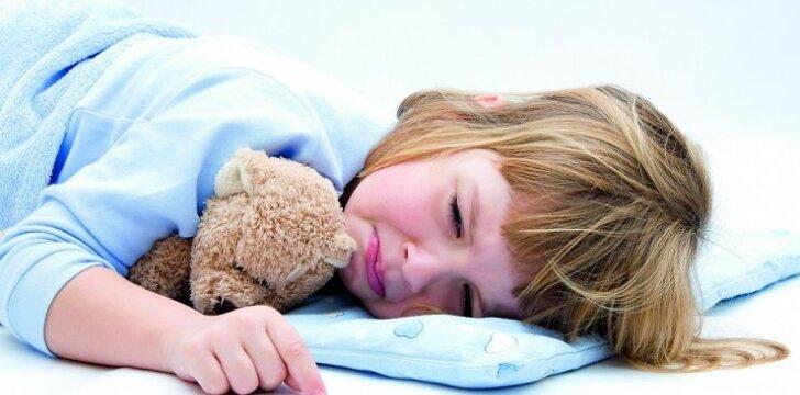 Kaip galime padėti naktimis besišlapinančiam vaikui