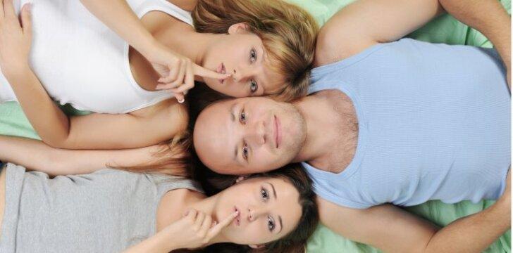 """Mieloji, gal pasikvieskime į lovą draugę? <sub><span style=""""color: #c00000;"""">(seksualinės vyrų fantazijos)</span></sub>"""