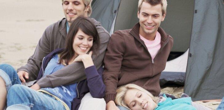 Bendrauja šeimos gražiai, o galvoje sukasi įvairiausių seksualinių fantazijų...