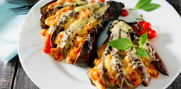 Baklažanai su vištiena ir sūriu