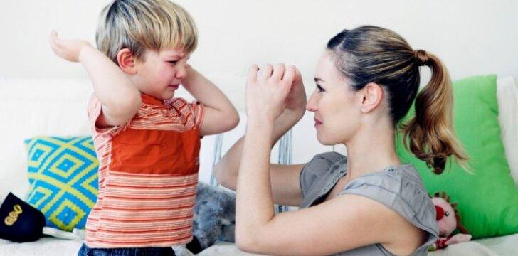 Geras vaikas ima neklausyti tėvų: ką daryti?