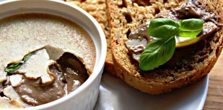 Prancūziškas vištienos kepenėlių paštetas