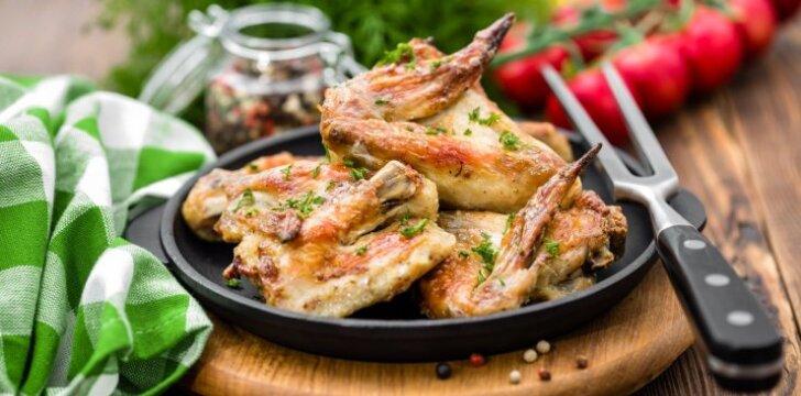 Ar žinote, kad lietuvių taip mėgstami bulviniai patiekalai gali būti vėžio šaukliai?