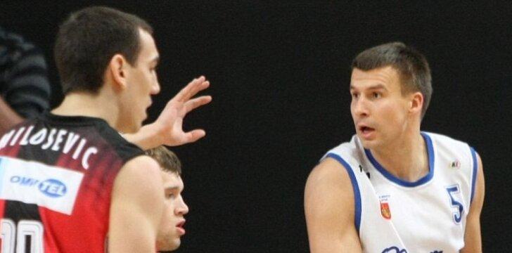 """Simonas Serapinas (dešinėje) žais """"Neptūne"""""""