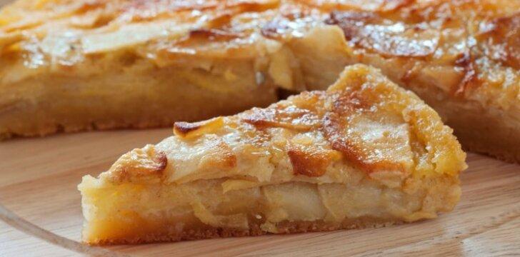 Močiutės pyragas su obuoliais