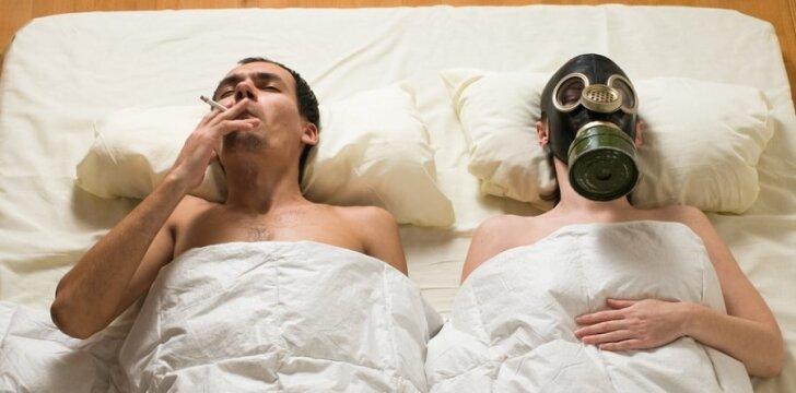 Rūkydamos žalojate ne tik savo sveikatą, bet ir nulemiate dar negimusios vaiko lytį.