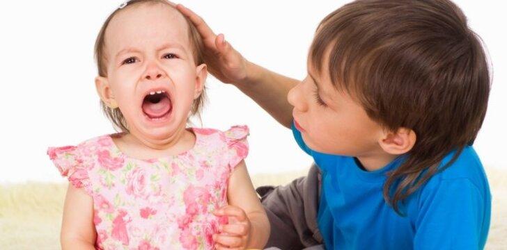 """Kaip išmokyti vaiką dalintis <span style=""""color: #ff0000;""""><sup>specialistės komentaras</sup></span>"""