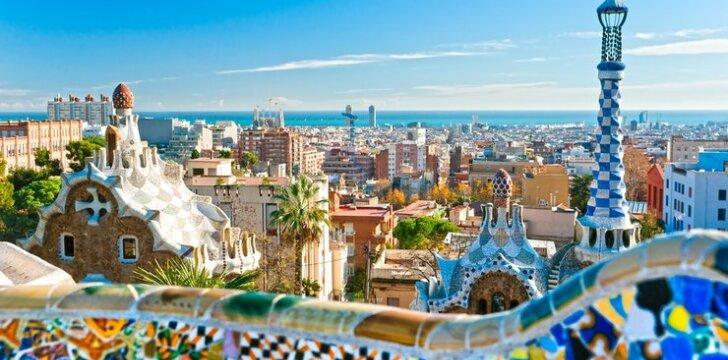 Pirmyn į Barseloną, kur vyksta nesibaigianti užkandžiavimo šventė