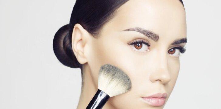 Kaip patobulinti veido kontūrus per porą minučių