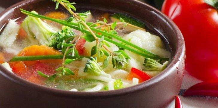 Efektingos detoksikacinės sriubos norinčioms sulieknėti