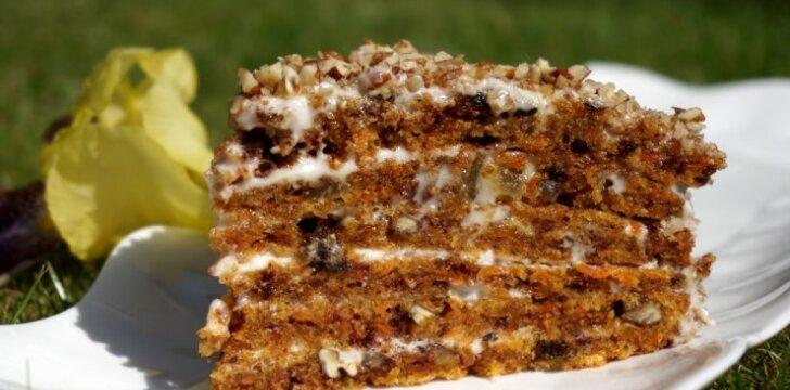 Ypatingas morkų pyragas