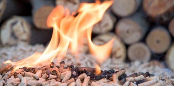 Šildymas: ką rinktis – granules ar malkas?
