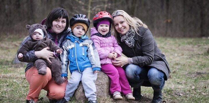 Dvi kaunietes imtis naujo iššūkio paskatino motinystė