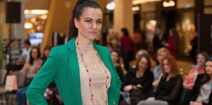 Dainininkė Aistė Pilvelytė nesibodi dukrytei pirkti padėvėtų daiktų
