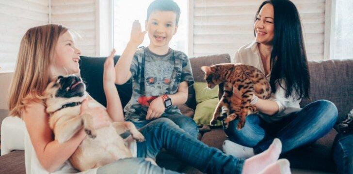 Mama Natalija: tikiu, kad užaugę mano vaikai išgelbės daug gyvūnų