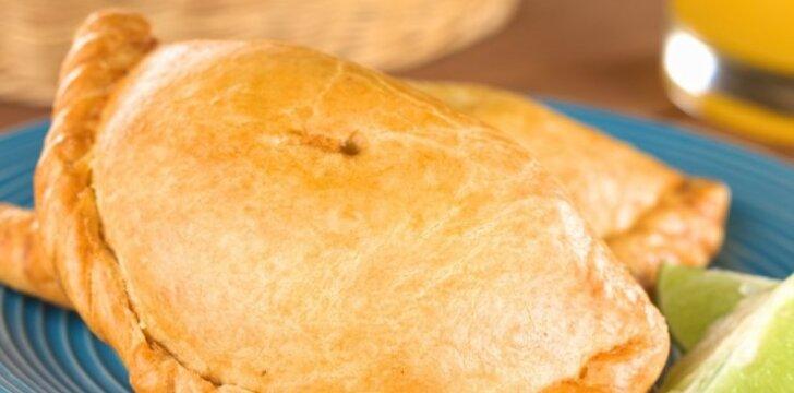 Rokforo ir graikinių riešutų pyragėliai
