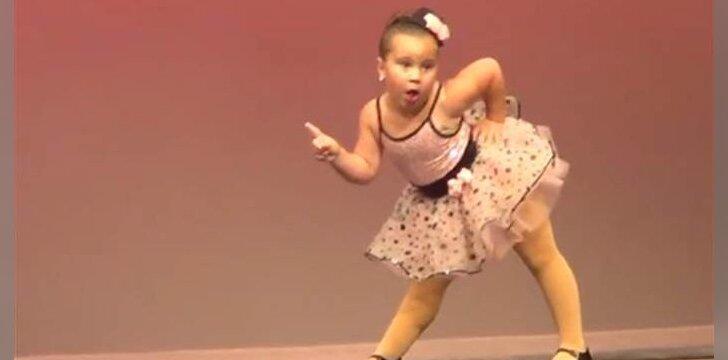 VIDEO, kuris pavergė milijonus širdžių: mažoji šokėja