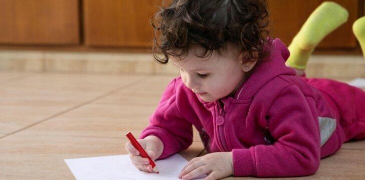 """Vieną vaiką myliu labiau, ar dėl to esu bloga? <sup style=""""color: #ff0000;"""">Psichologės komentaras</sup>"""