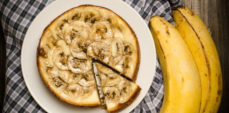 Varškės ir bananų pyragas