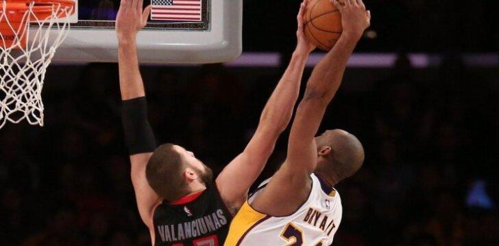 Jonas Valančiūnas ir Kobe Bryantas