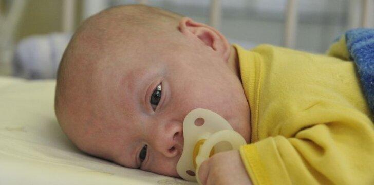 """800 gramų sveriančio vaiko kova už teisę gyventi <sup style=""""color: #ff0000;"""">(FOTO)</sup>"""