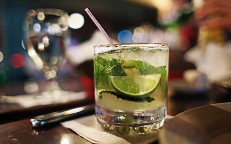 kokteilis