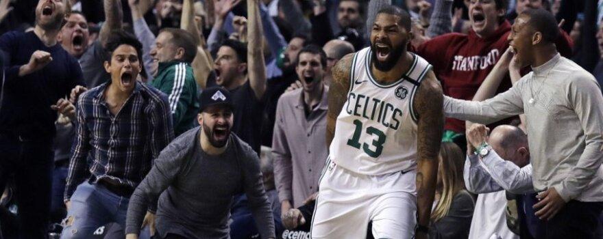 """NBA naktis: neįtikėtinai išsigelbėję """"Celtics"""" nutraukė """"Thunder"""" žvaigždyno pergalių seriją"""