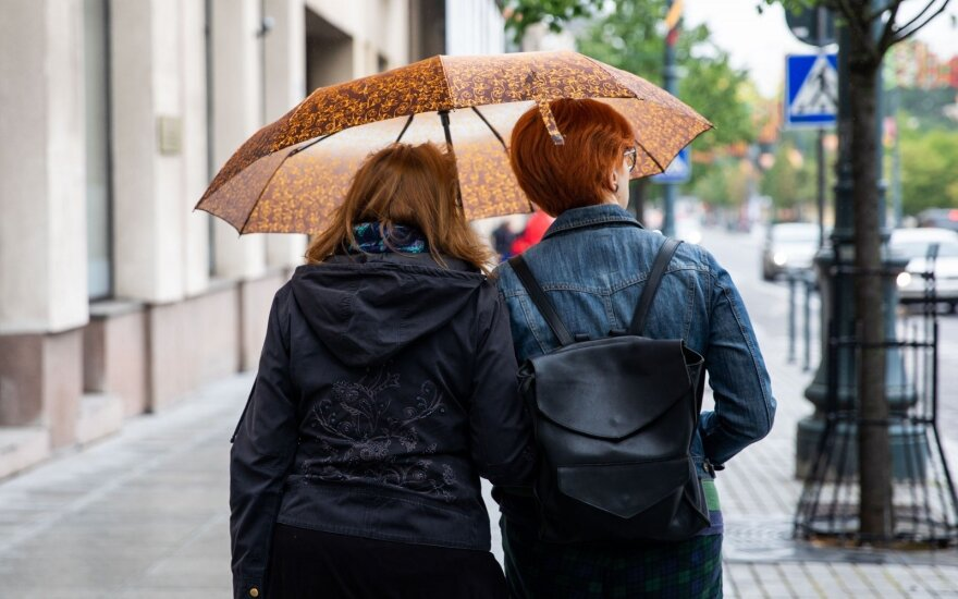 Šios savaitės orai: lietaus su perkūnija debesys į Lietuvą užsuks dažniau