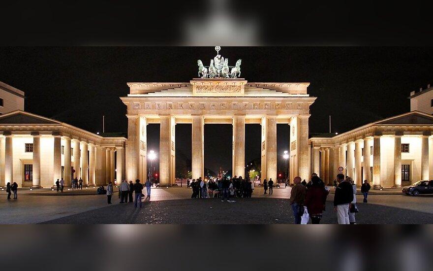 Ambasada Vokietijoje: mes nesame įdarbinimo, vertėjų, gidų ar laidojimo biuras