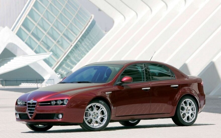 Alfa Romeo 159 (2005 m.)