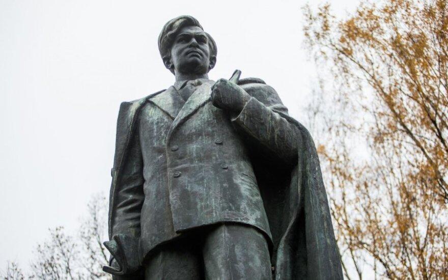 Rimantas Gučas. Kam ir kodėl reikia pašalinti Petro Cvirkos paminklą?