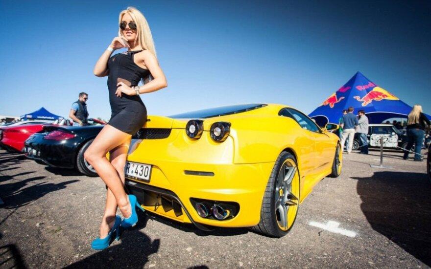 Superautomobiliai Kačerginėje