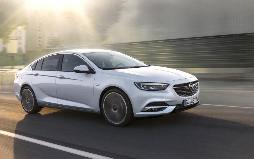 """""""Opel Insignia Grand Sport"""""""