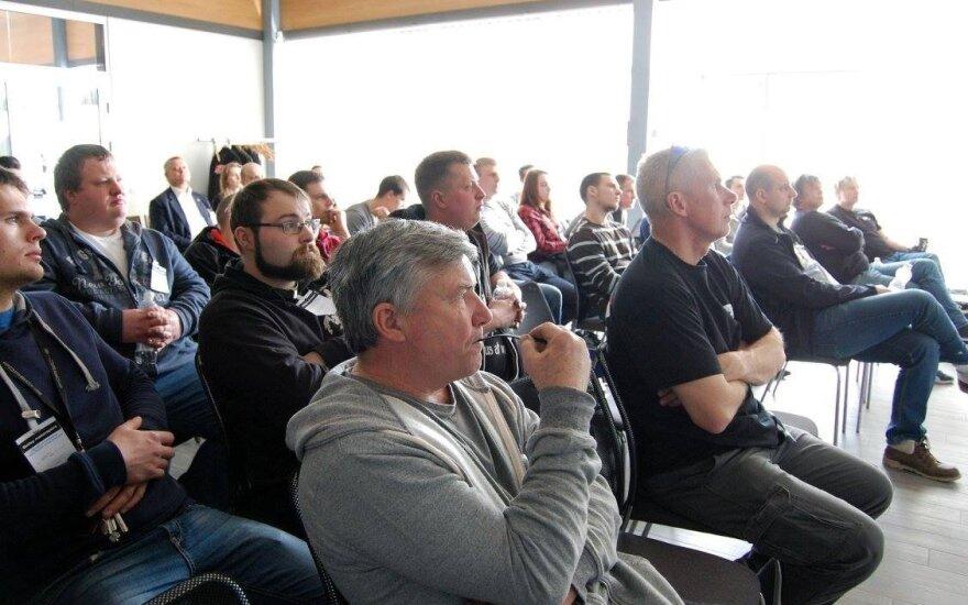 Traukos lenktynių entuziastų konferencija
