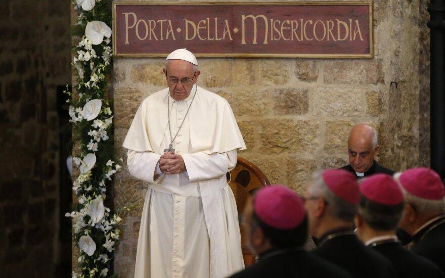 Popiežius Pranciškus lankosi Asyžiuje