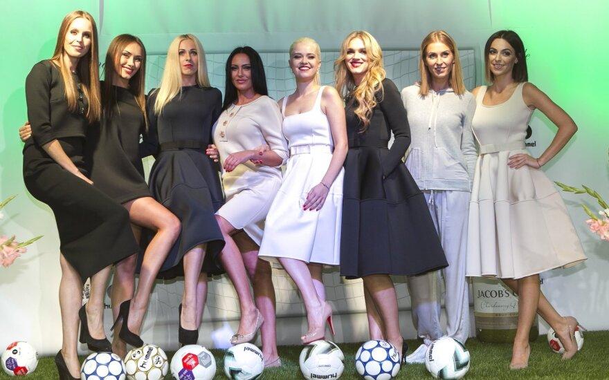 Futbolininkų žmonos LFF stadione pristatė pirmąją kolekciją