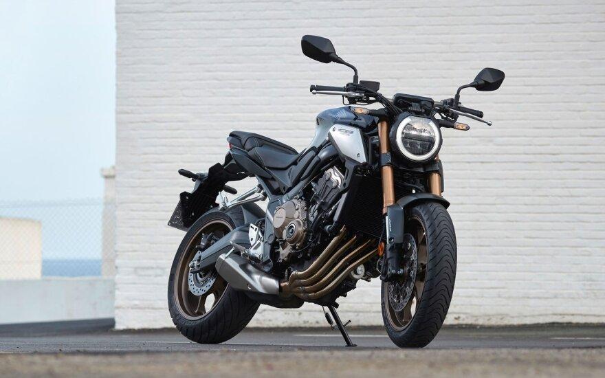 """Nauji """"Honda"""" motociklai"""