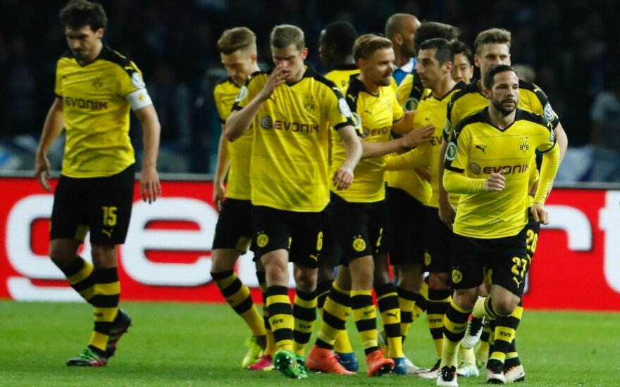"Gonzalo Castro ir Dortmundo ""Borussia""  futbolininkai"